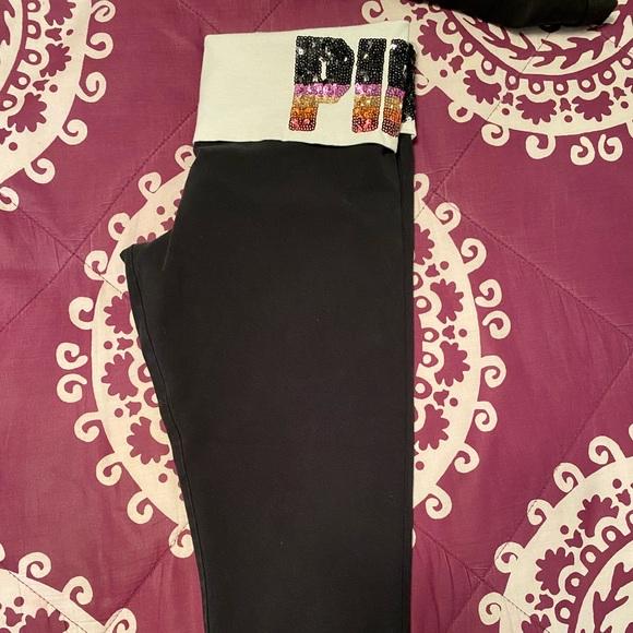 PINK Victoria's Secret Pants - Victoria Secret PINK sequence crop legging